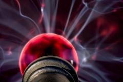 Säule mit Feuerball